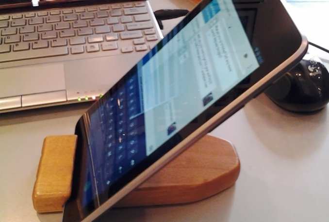 hand make a wood stand for your tablet or phone